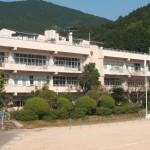 青方小学校