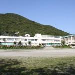 北魚目中学校